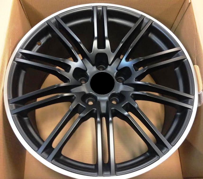 857 GTS  Fekete-Lip 1