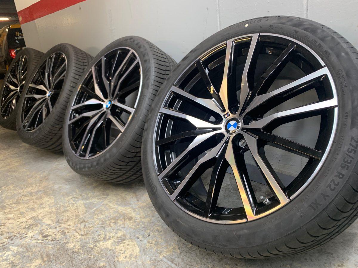 Gyári alufelni BMW X5-X6 G05-G06 (742M Styl) 9,5X22-10,5X22 5X112 alufelni új nyári garnitúra! Continental gumikkal,nyomásszenzorral! 2