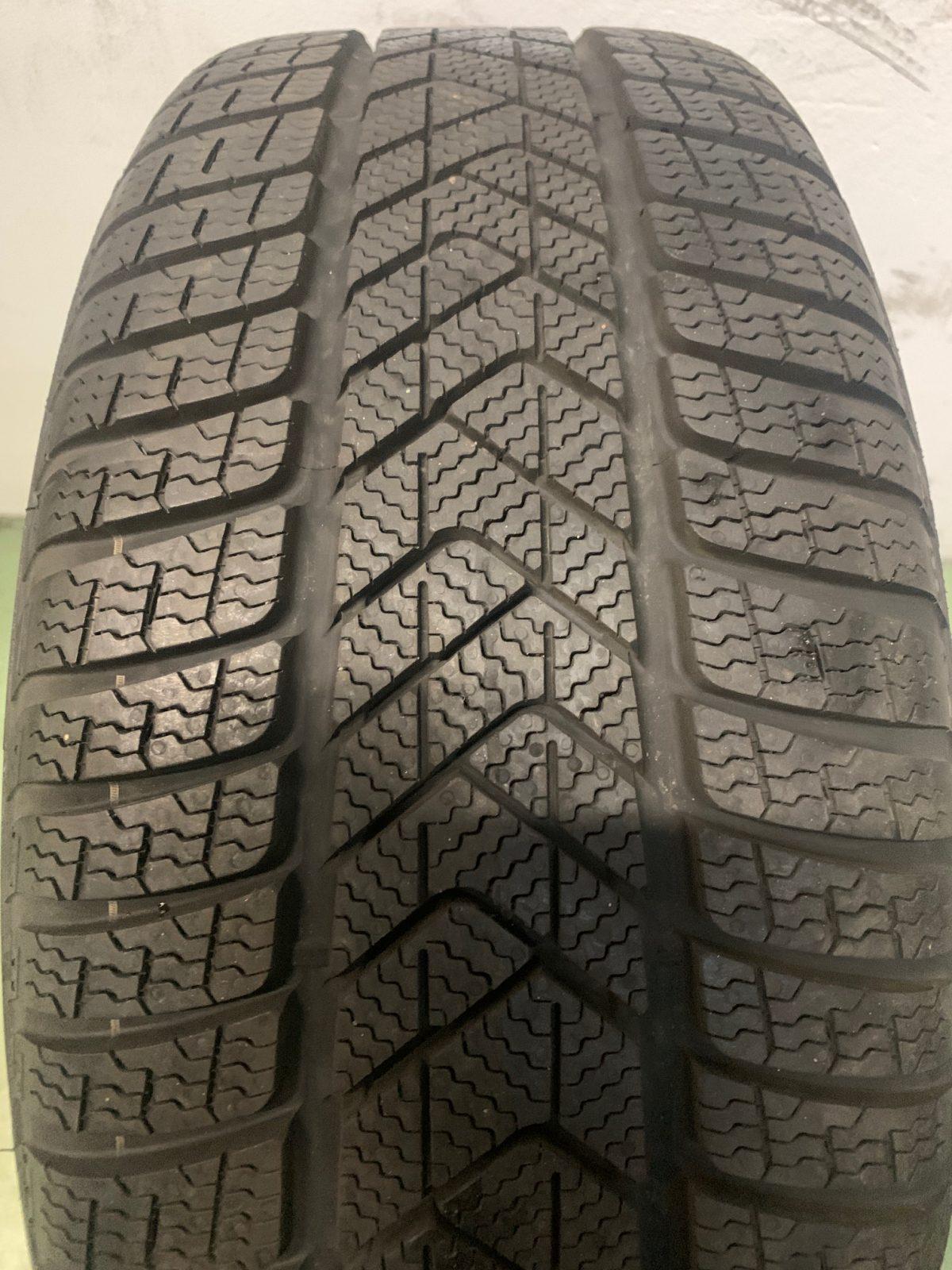 Gyári alufelni BMW G30 (684 styl) 8X18 alufelni újszerű téli garnitúra! Pirelli gumikkal,nyomásszenzorral! 2