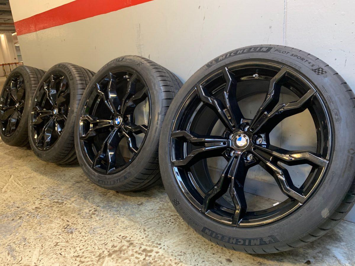 Gyári alufelni BMW X3M-X4M F97-98 (765M Style) 9,5X21-10X21 5X112 alufelni új nyárikerék-garnitúra! Michelin gumikkal 1